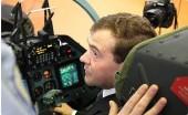Медведев отменяет советские законы. Летать на самолетах станет опаснее