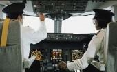 Политики США выступают против уменьшения лётных часов для вторых пилотов