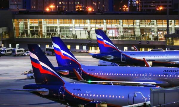 """В """"Аэрофлоте"""" объяснили девальвацией низкие зарплаты пилотов на фоне конкурентов"""