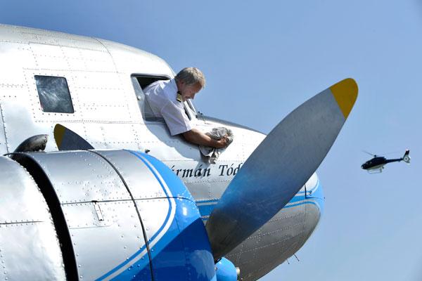 Остаются под крылом: Пилотам сократили предполетные медицинские осмотры
