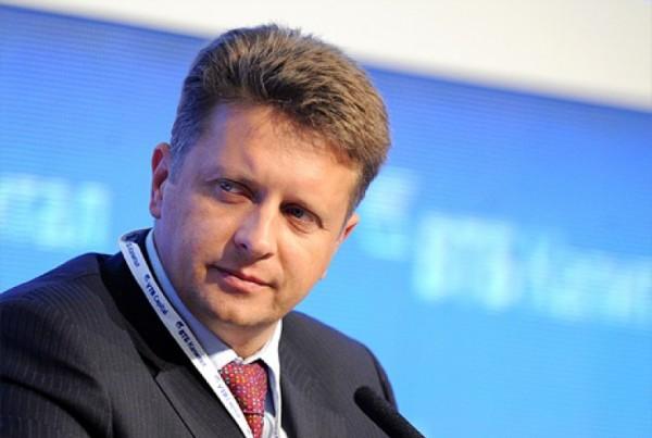 Министр транспорта заявил об отсутствии проблемы в связи с «утечкой кадров» из авиакомпаний