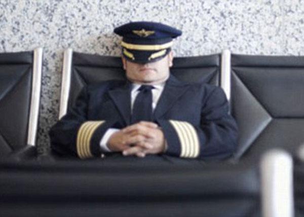 А. Малиновский: О важности нормального режима сна и бодрствования для пилота